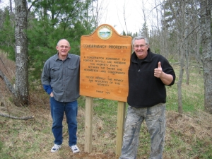 Volunteer Land Stewards Jerry Smith and Dave Nadolsky